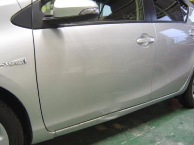自動車修理 トヨタ アクア 板金塗装 (高岡市よりご来店)